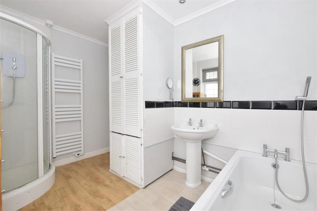 Bathroom of Lilian Terrace, Poling, Arundel, West Sussex BN18