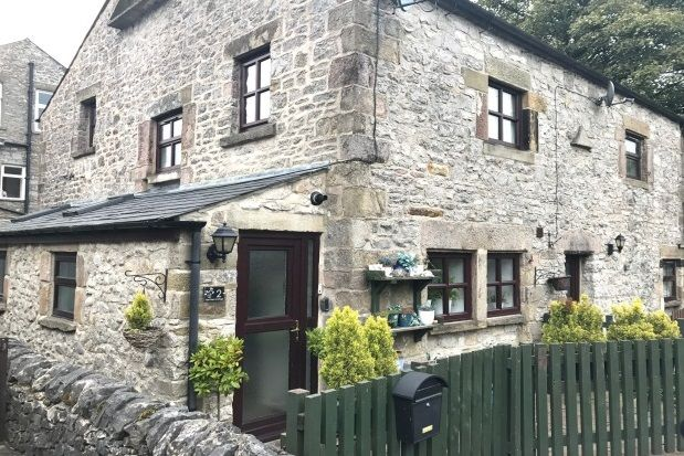 2 bed cottage to rent in Waterswallows Road, Fairfield, Buxton