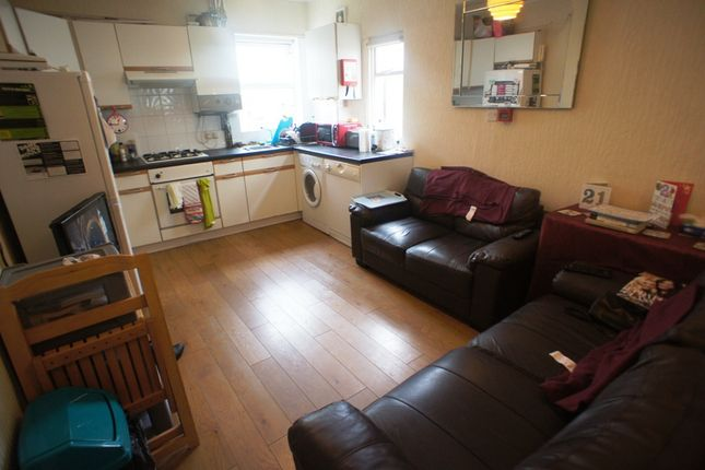 Thumbnail Flat to rent in Crwys Road, Cathays, Cardiff.