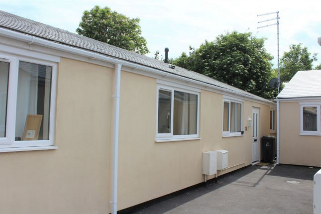 Thumbnail Semi-detached bungalow to rent in Alma Street, Taunton