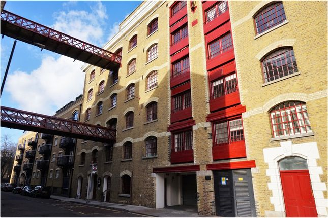 2 bed flat for sale in Wapping High Street, London