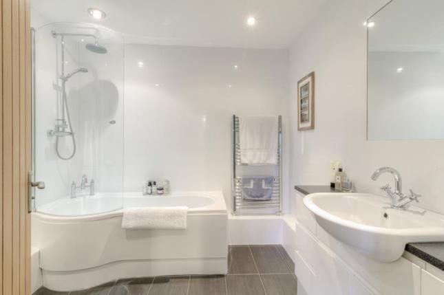 Family Bathroom of Plantation Road, Leighton Buzzard, Bedfordshire LU7