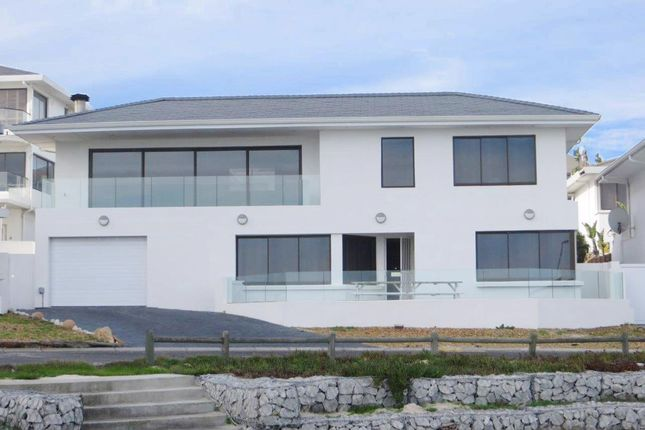 Thumbnail Detached house for sale in 100 Beach Crescent, Bloubergstrand, Western Seaboard, Western Cape, South Africa