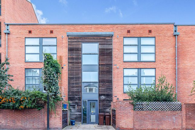 2 bed flat for sale in 15 Albion Road, London N16