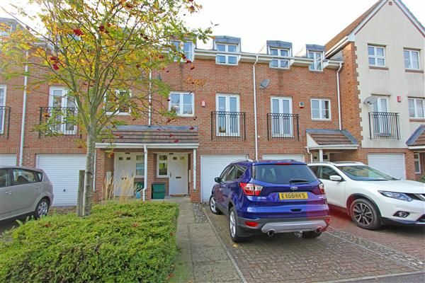 Thumbnail Terraced house for sale in Old School Place, Waddon, Croydon