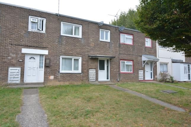3 bed terraced house for sale in Basildon, Essex