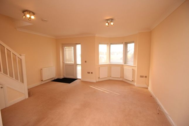 Thumbnail Detached house to rent in Radnor Park West, Folkestone