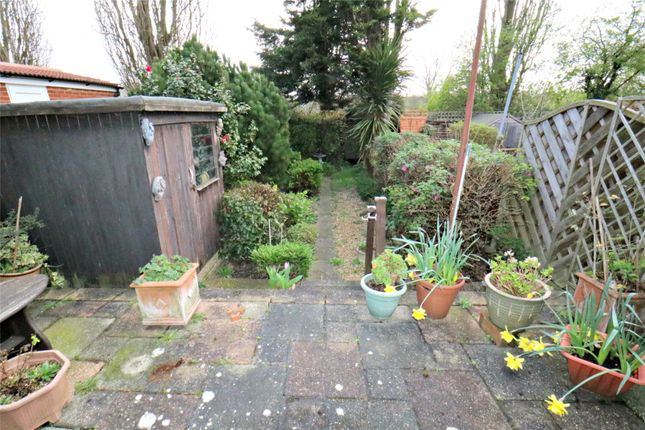 Picture No. 18 of Datchet Road, Catford, London SE6