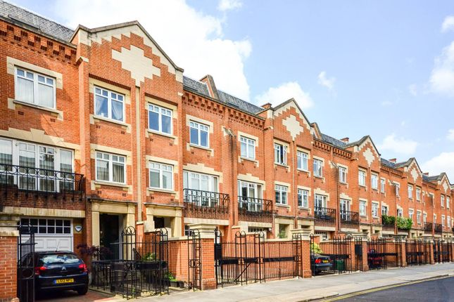 Thumbnail Property for sale in Flood Street, Chelsea