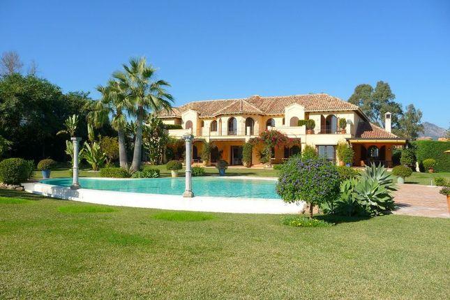 Thumbnail Villa for sale in Paraiso Barronal, Estepona, Malaga, Spain
