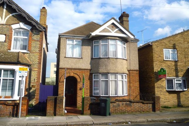 Thumbnail Detached house to rent in Junction Road, Dartford