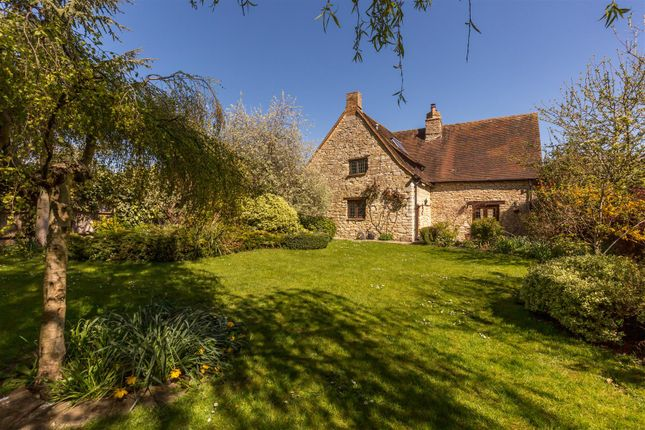 Thumbnail Property for sale in Lower Road, Blackthorn, Bicester