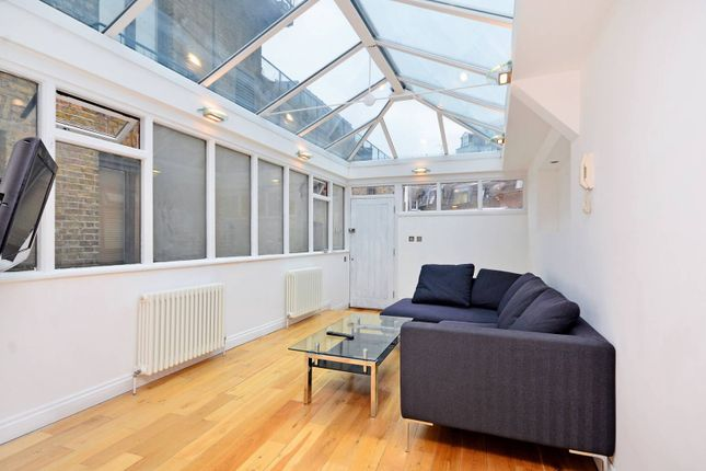 Thumbnail Flat to rent in Shorts Gardens, Covent Garden