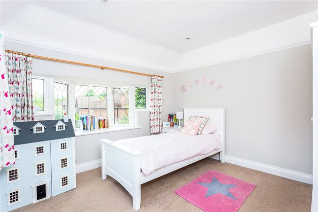 Picture No. 47 of Orchard End, Weybridge, Surrey KT13