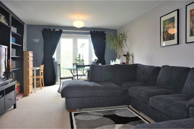 Thumbnail Flat to rent in Pavement Square, Addiscombe