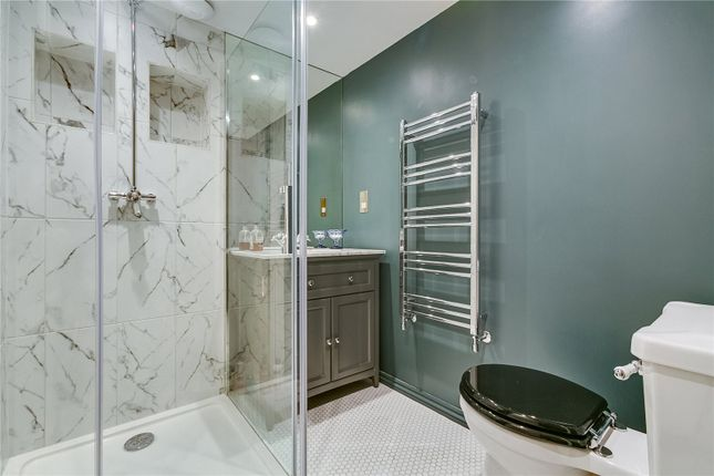 Bathroom of Cornwall Crescent, London W11