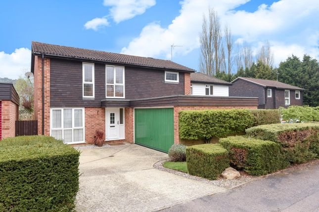 Thumbnail Detached house for sale in Sunninghill, Berkshire