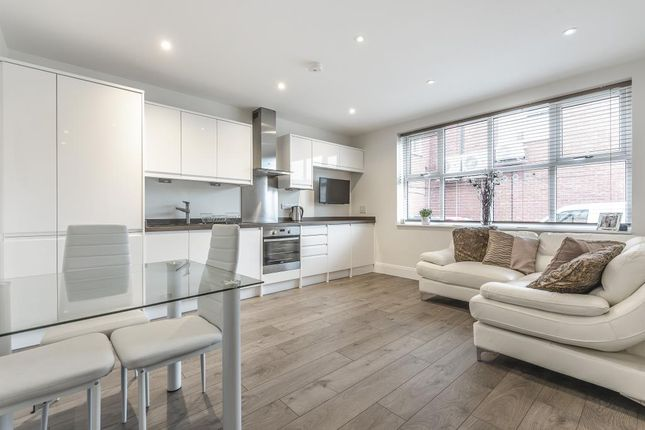 Thumbnail 1 bed flat for sale in Binfield, Berkshire