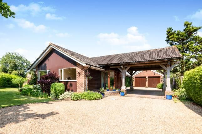 Thumbnail Bungalow for sale in Rotherwick, Hook, Hampshire