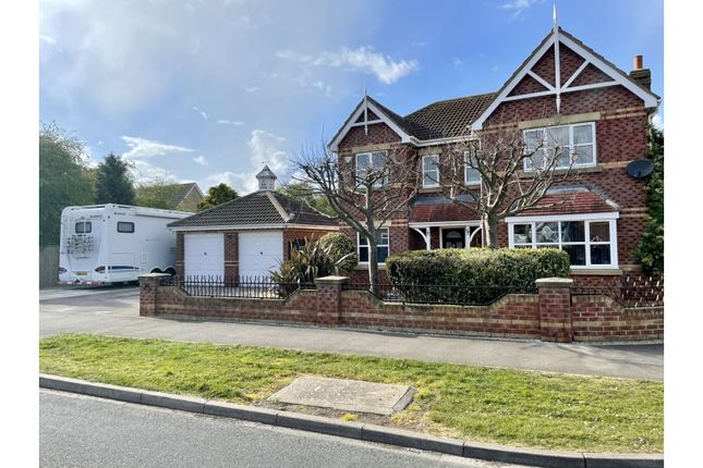 Thumbnail Detached house for sale in Cleeve Road, Hull