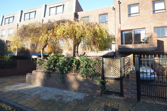 Thumbnail Detached house to rent in Kreisel Walk, Kew, Richmond