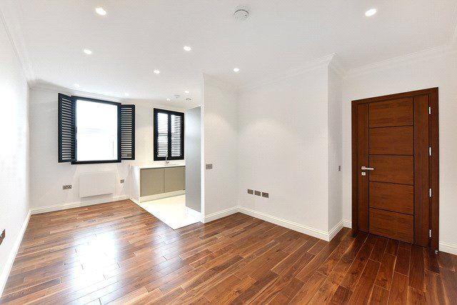 Open-Plan Living of Collingwood House, Mercers Road, London N19