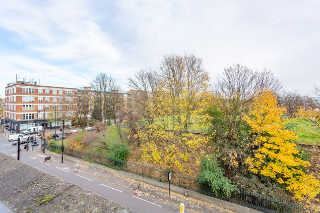 Thumbnail Terraced house for sale in Claremont Square, London