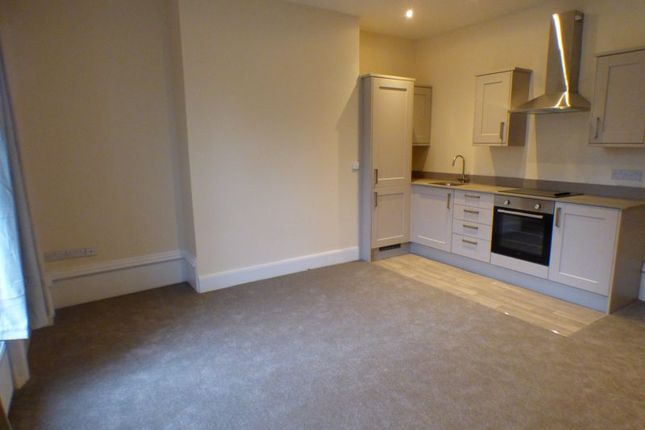 1 bed flat to rent in Wentworth Street, Huddersfield HD1