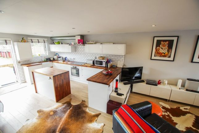 Thumbnail Terraced house for sale in Manor Way, London