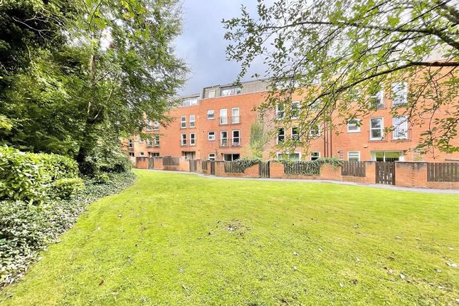 Thumbnail Flat to rent in Alma Court, Ambra Vale Road, Bristol