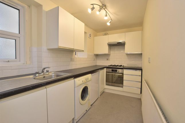 1 bed flat to rent in Lower Oldfield Park, Bath BA2