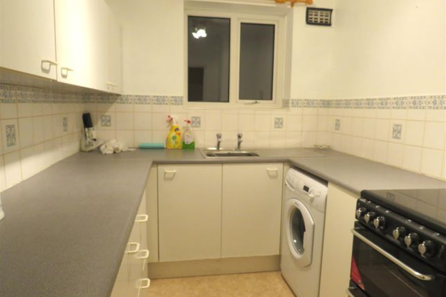 Thumbnail Flat to rent in Barnesdale Road, Norwich
