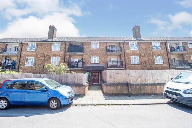2 bed flat for sale in South Ockendon, Thurrock, Essex RM15