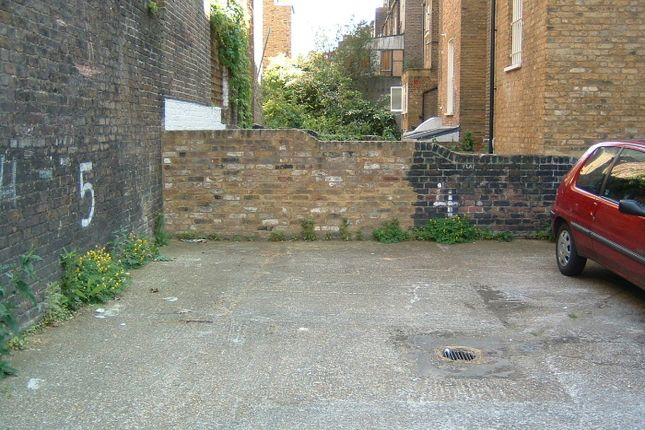 Parking/garage to let in Inverness Terrace, Bayswater, London