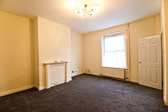 Livingroom1 of Fartown Green Road, Fartown, Huddersfield HD2