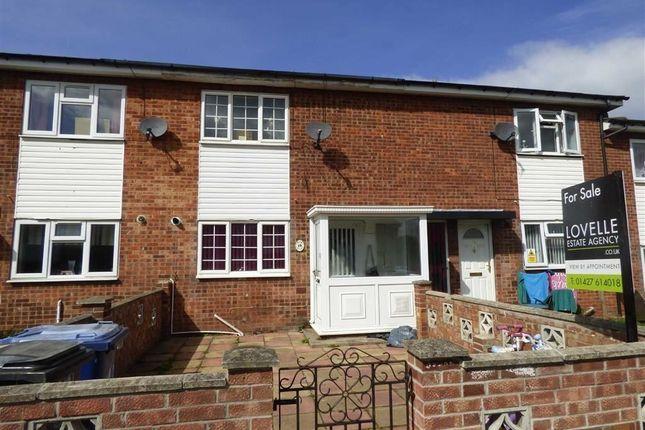 Thumbnail Terraced house for sale in Apley Close, Gainsborough