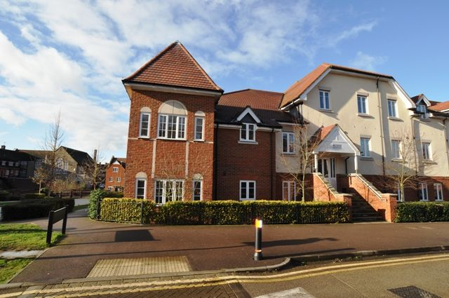 Thumbnail Flat to rent in Elderflower House, Hitchin