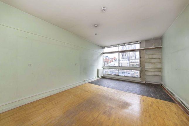 Studio for sale in Golden Lane Estate, London EC1Y