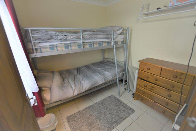 Bedroom 1 of Carmarthen Bay, Kidwelly SA17