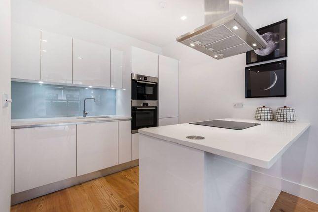 Thumbnail Flat for sale in Alexandra Avenue, Battersea Park