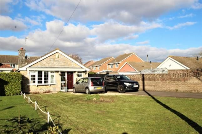 Thumbnail Bungalow for sale in Lynton Close, Portishead, Bristol
