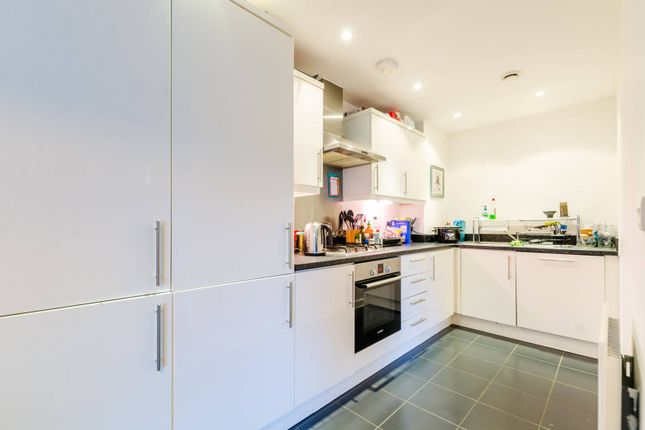 2 bed flat for sale in Pancras Way, Bow
