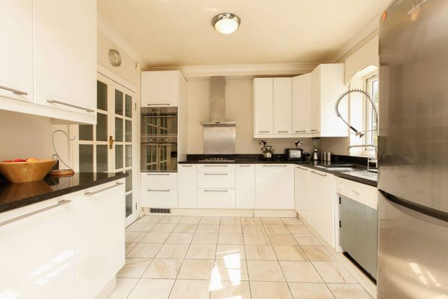 Thumbnail Property for sale in Christian Fields, Norbury