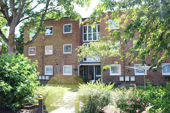 Thumbnail Flat to rent in East Street, Poole