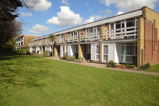 Thumbnail Flat to rent in College Gardens, Worthing