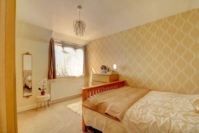 Bedroom 1 of Woodhouse Road, London N12
