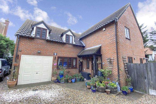 Thumbnail Detached house for sale in Tudor Court, Noak Bridge
