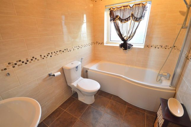 Bathroom of Colville Grove, Sale M33