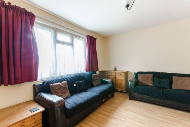 Thumbnail Property for sale in The Avenue, New Southgate