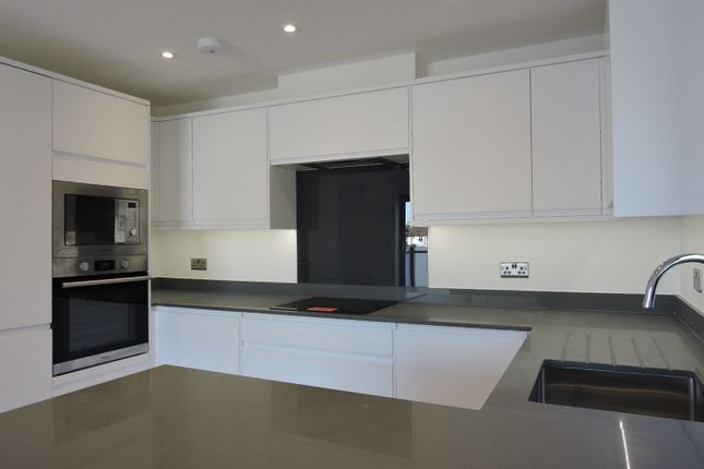 Thumbnail Flat for sale in Devonshire Hill Lane, Haringey
